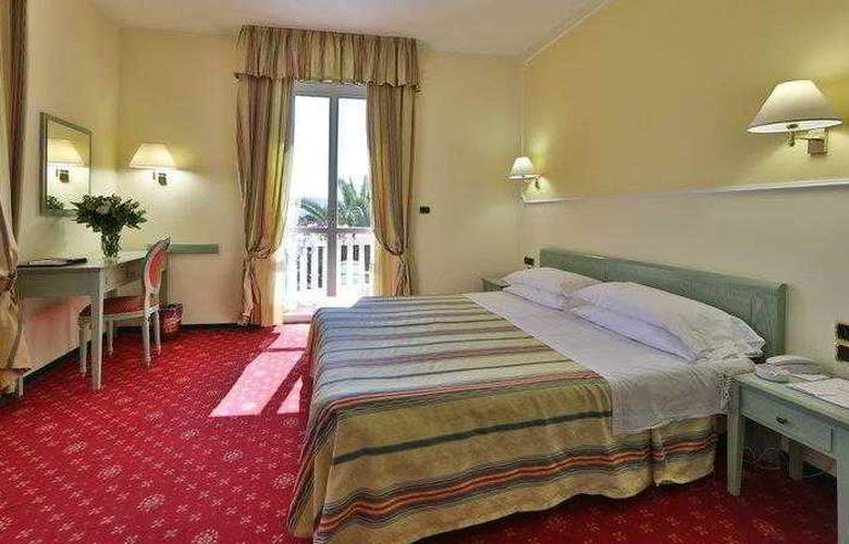 Best Western Nazionale - Room - 7