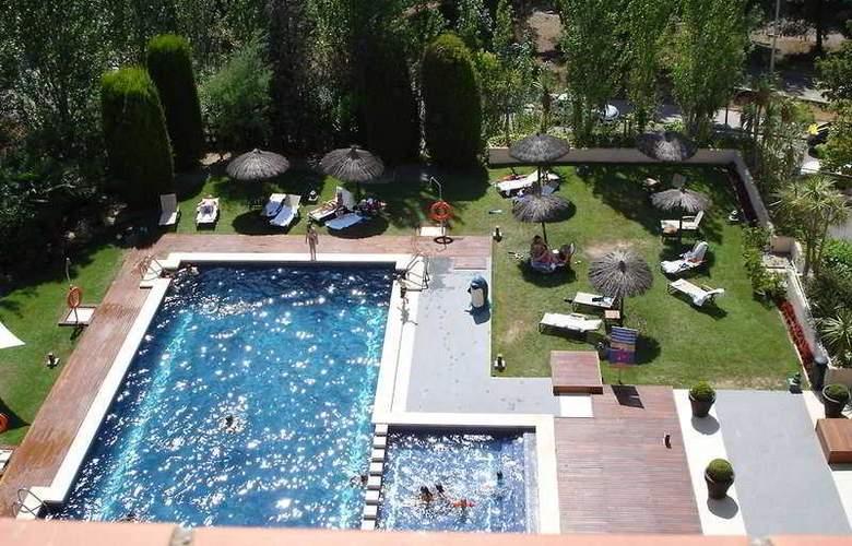 AC Hotel Sant Cugat by Marriott - Pool - 14