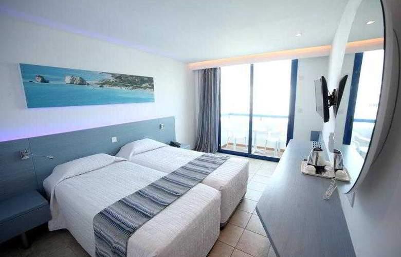 Anonymous Beach Hotel - Room - 7