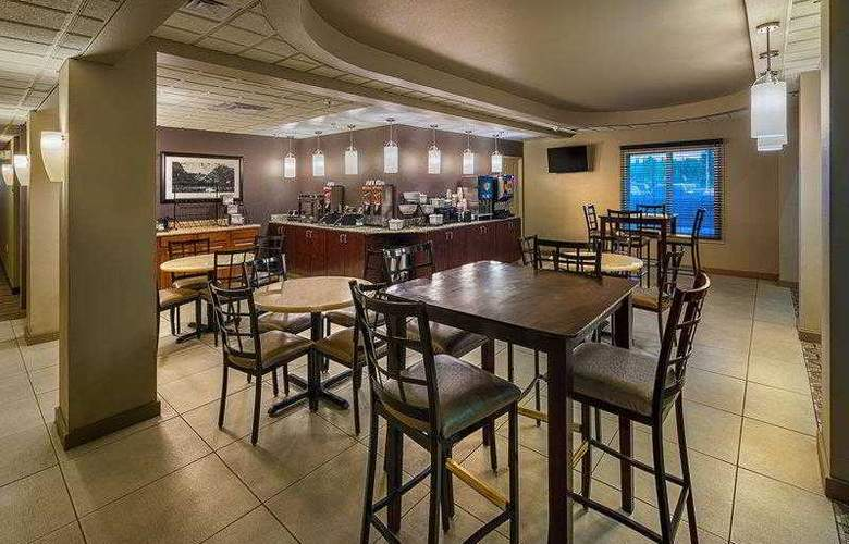 Best Western Plus Chena River Lodge - Hotel - 21