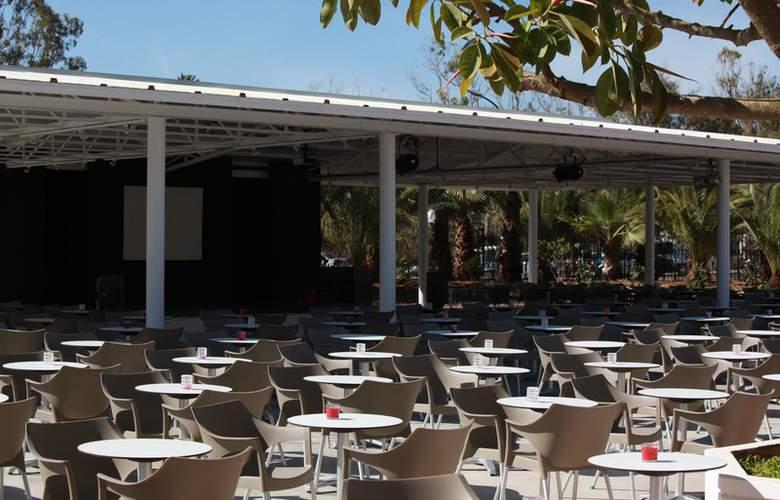 Club Bahamas Ibiza - Terrace - 7