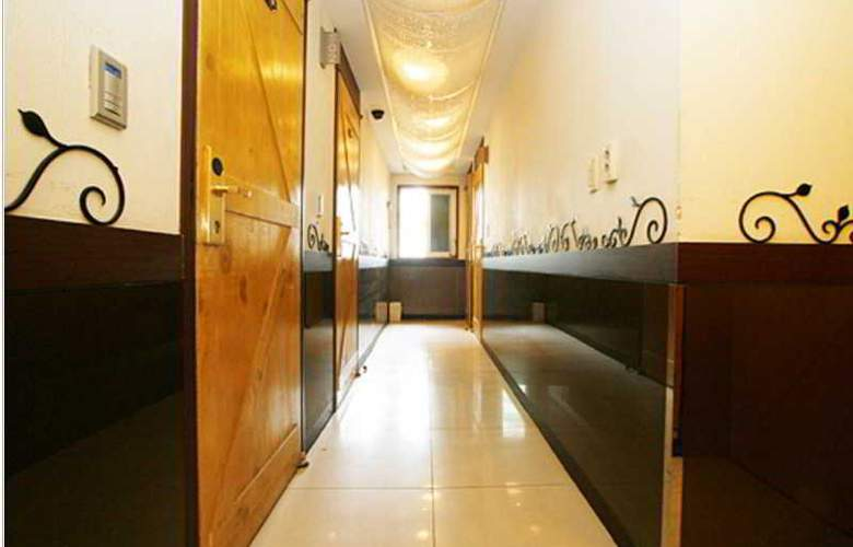 D Hotel Shinchon - General - 1