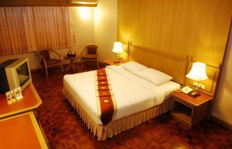 Silom Village Inn - Room - 6