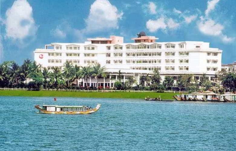 Century Riverside - Hotel - 0