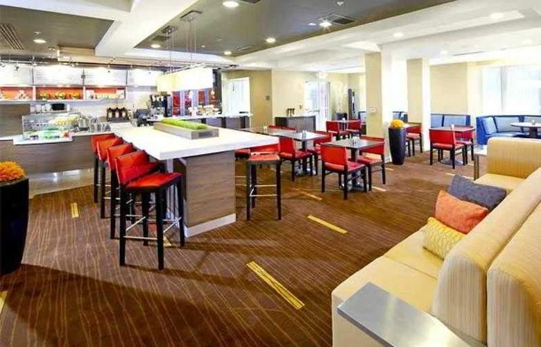 Courtyard West Palm Beach Airport - Hotel - 13
