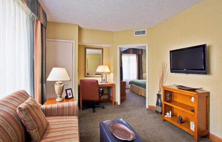Holiday Inn Express & Suites Tampa - Room - 23