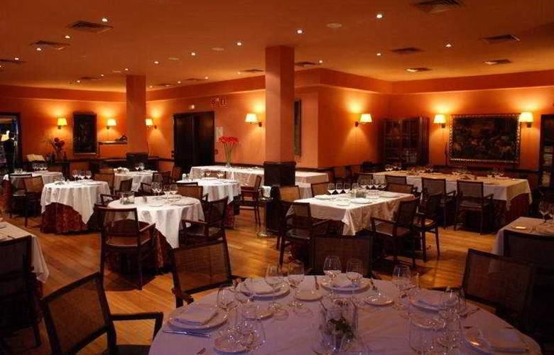 Torremirona Golf & Spa Resort - Restaurant - 10