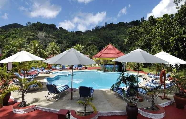 Raffles Hotel Seychelles - Pool - 2