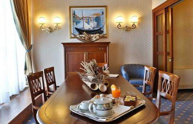 BEST WESTERN Classic Hotel - Hotel - 10
