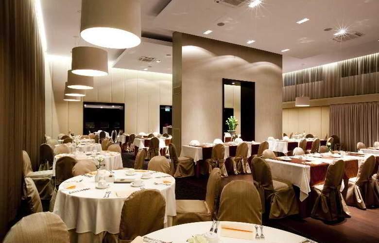 Grand Union - Restaurant - 6