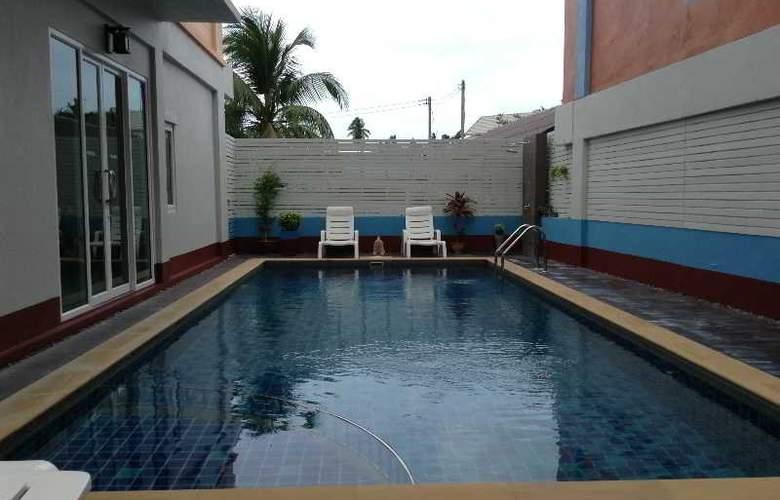 Orange Mansion - Pool - 3