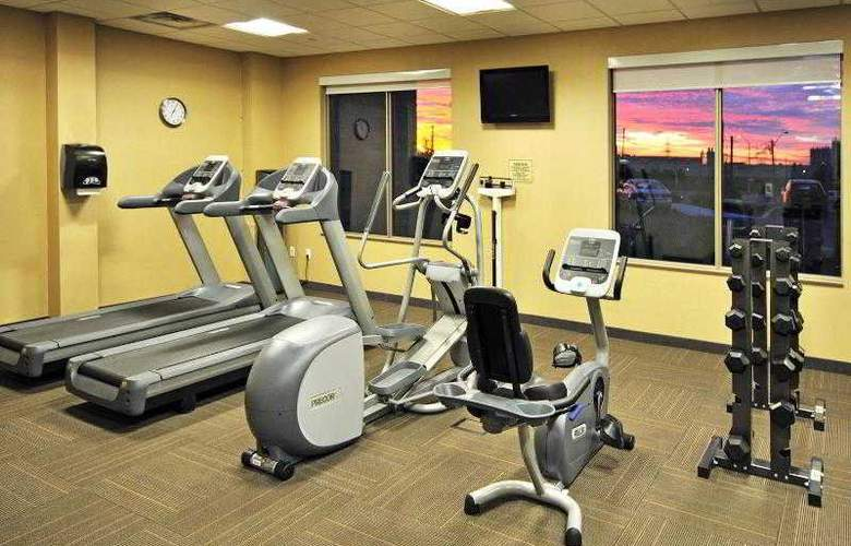 Holiday Inn Express & Suites Vaughan - Sport - 10