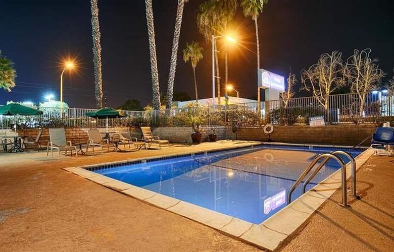 Best Western Country Inn Poway - Pool - 26