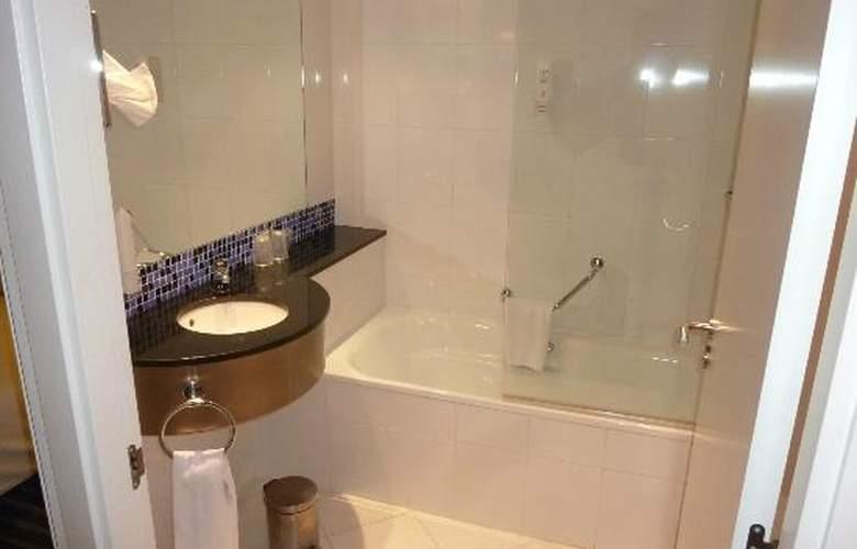 Holiday Inn Express Bilbao - Room - 9