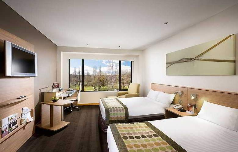 Crowne Plaza Canberra - Room - 2