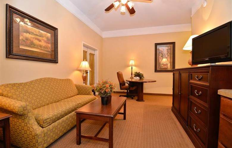 Best Western Plus Monica Royale Inn & Suites - Room - 117