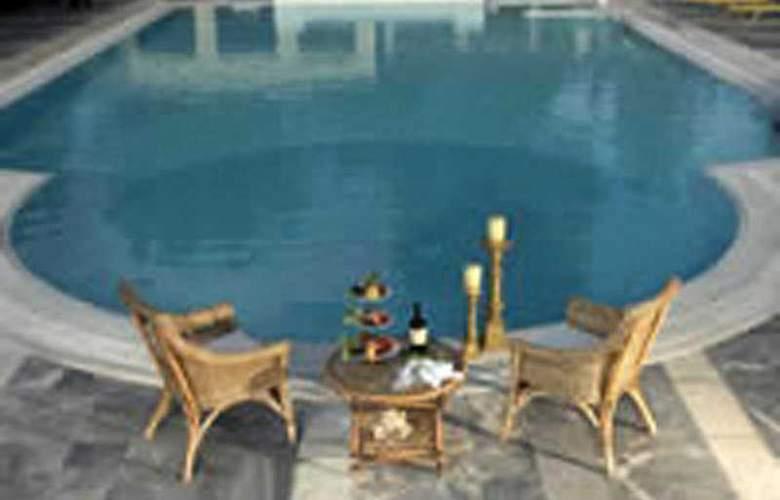 Sun Beach Hotel & Conference Centre - Pool - 5
