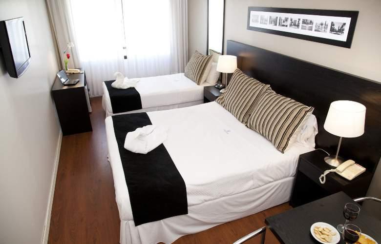 Pocitos Plaza Hotel - Room - 6