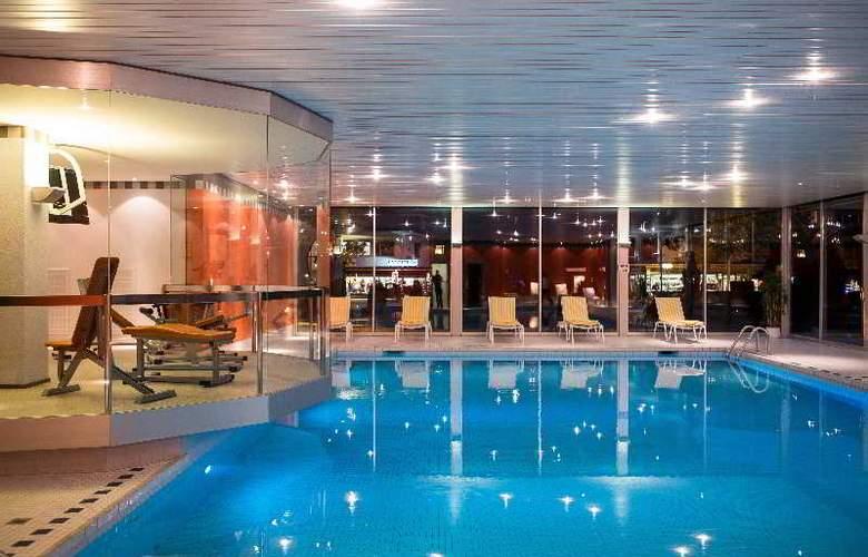 Interlaken - Pool - 12