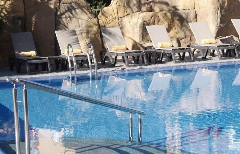 Sandos Monaco Beach Hotel and Spa - Pool - 20