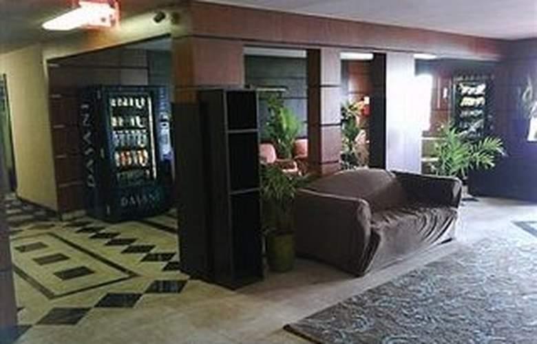 Claremont Las Vegas - Hotel - 0