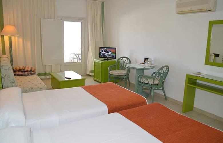El Puntazo II - Room - 2