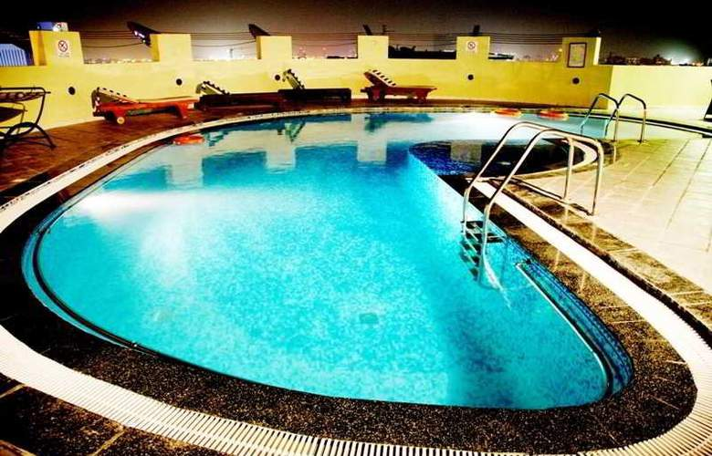 Grand Midwest Express - Pool - 5