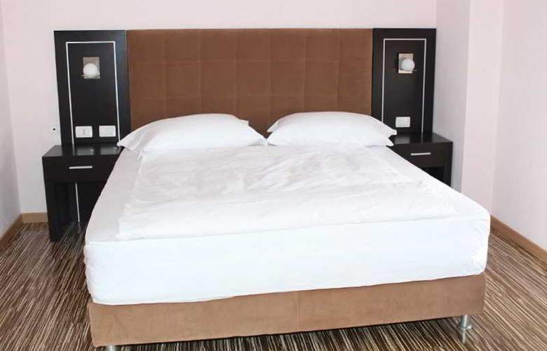 Nais Beach Durres - Room - 2