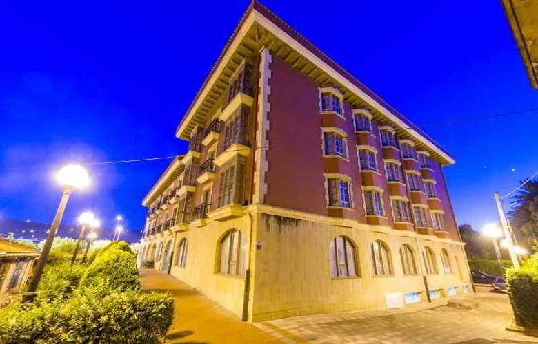 Urban Sondika - Hotel - 0