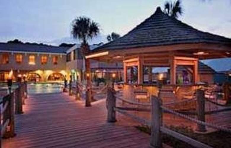 Clarion Resort - Bar - 3