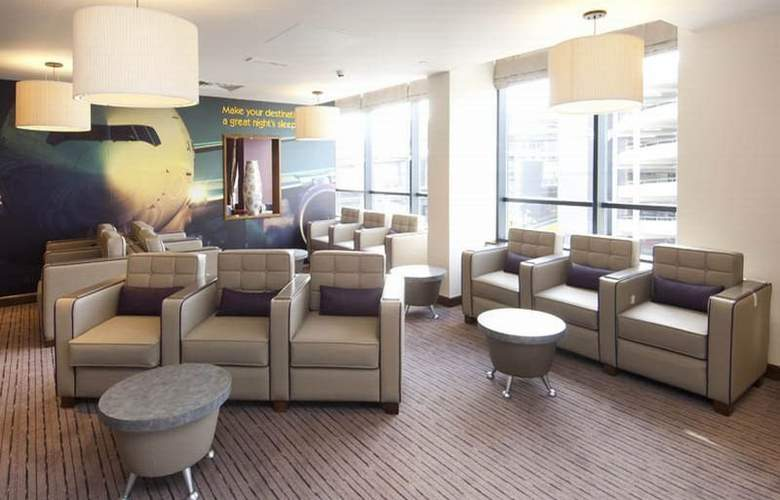 Premier Inn London Gatwick Airport North Terminal - General - 1