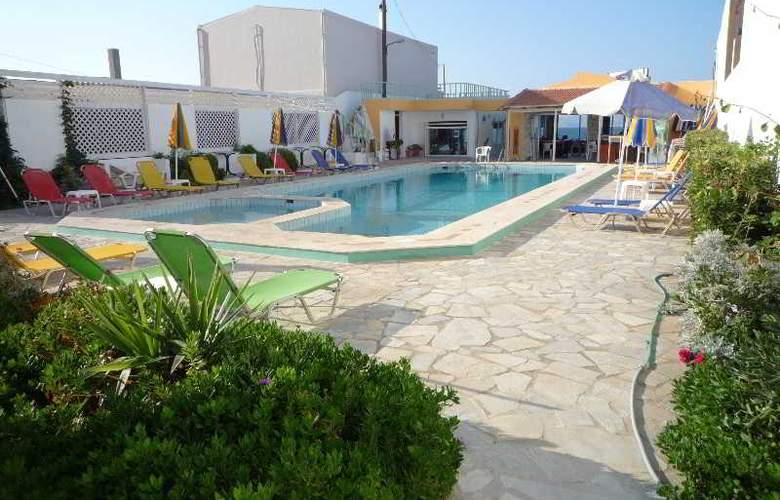 Haris Apartments - Hotel - 0