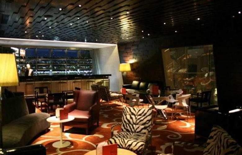 Hilton Bandung - Bar - 5