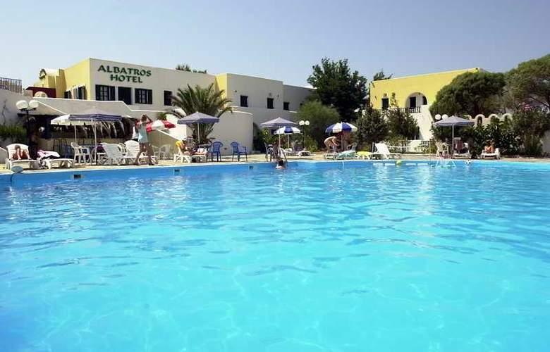 Albatros Santorini - Pool - 0