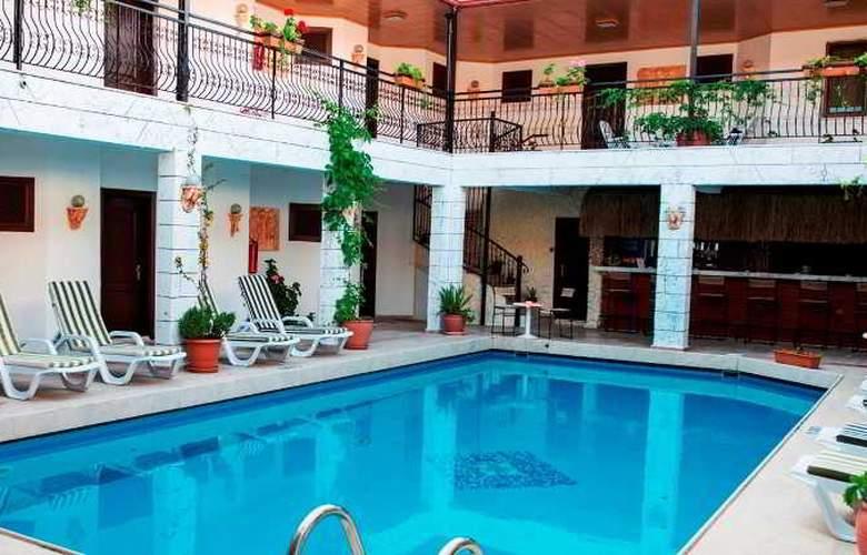 Han Dalyan Hotel - Pool - 17