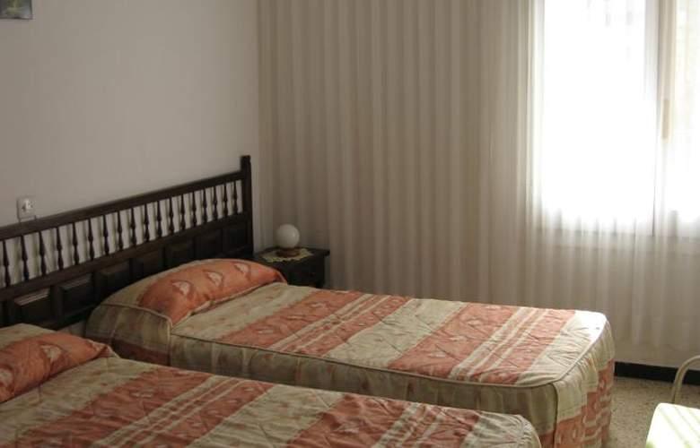 Apartamentos Hesperia, Flandria y Alfonso I - Room - 2