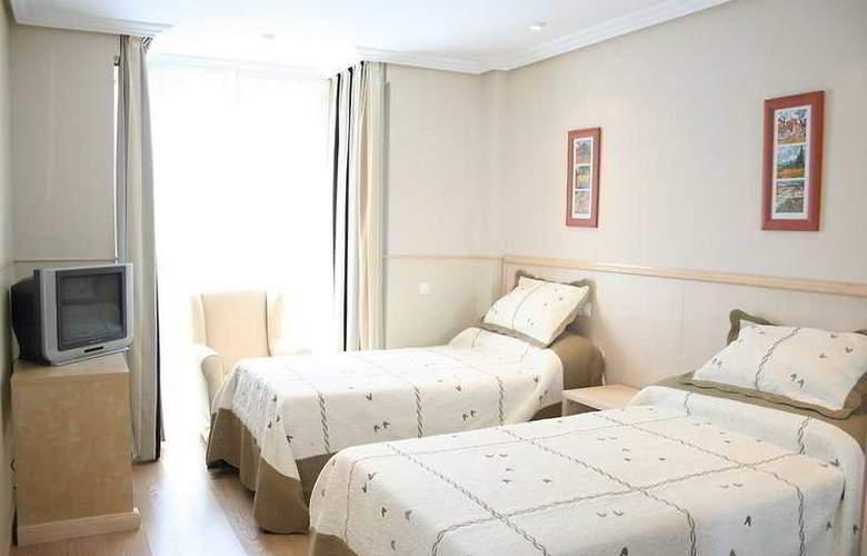 Suites Feria de Madrid - Room - 8