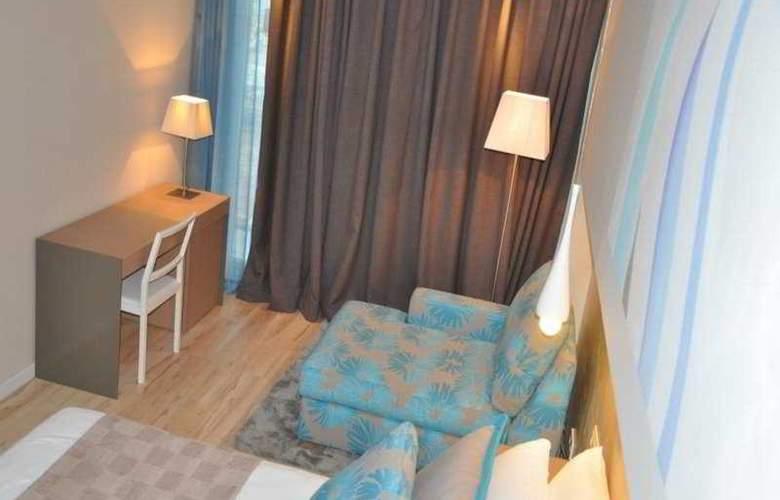 Atenea Port Barcelona Mataro - Room - 0