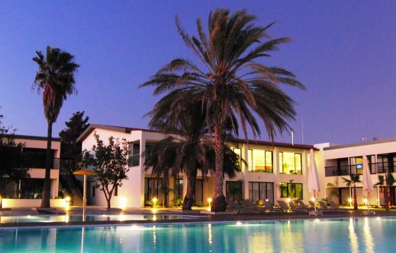 Royal Blue Hotel & Spa Paphos - Hotel - 1