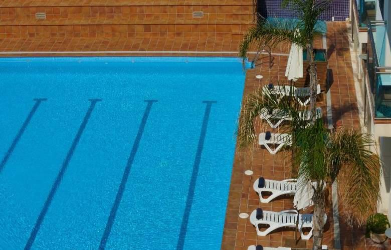 Port Sitges Resort - Pool - 6