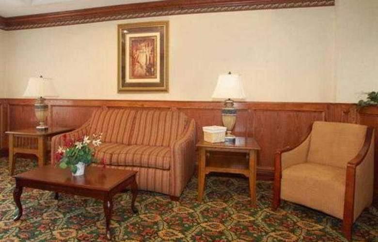 Comfort Suites Western Select Drive - General - 3