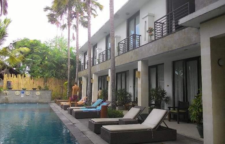 Puri Maharani Boutique Hotel & Spa - Pool - 6