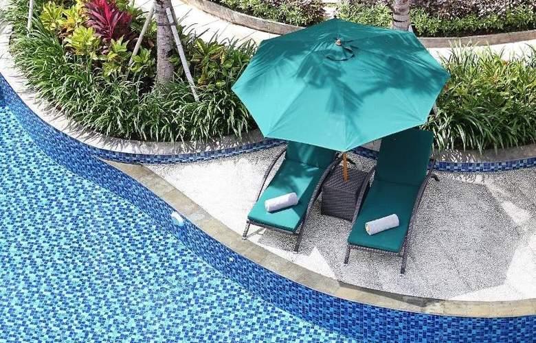 Bali Nusa Dua Hotel & Convention - Pool - 24