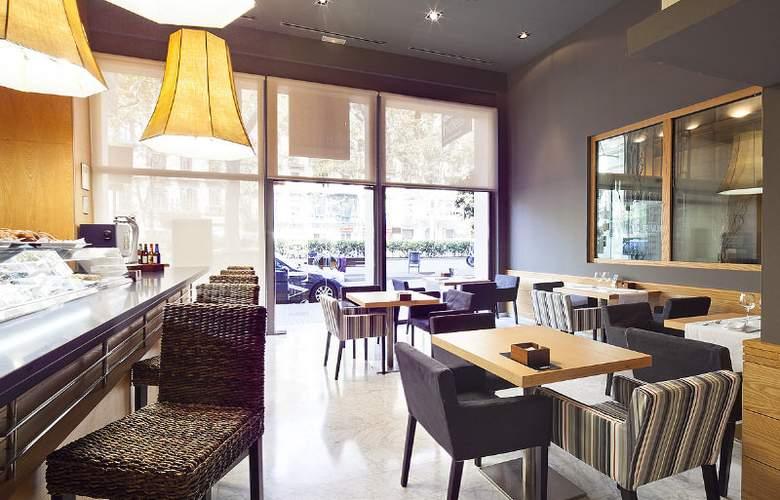 Acta Atrium Palace - Restaurant - 26