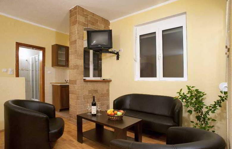 Castellamare Residence - Room - 5