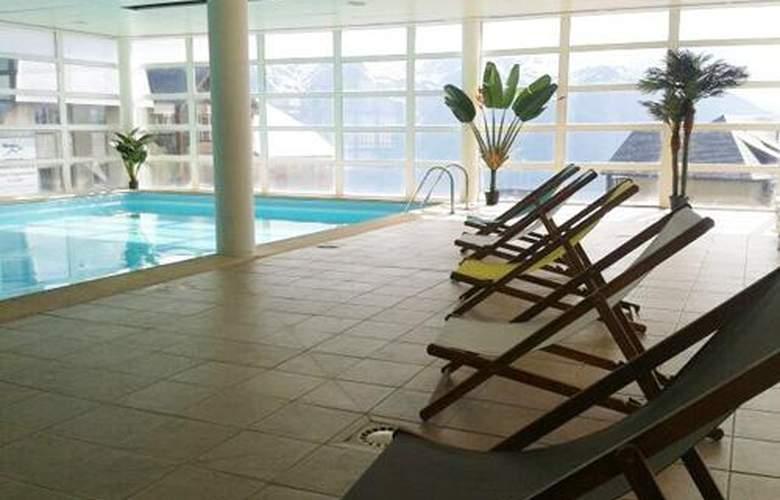 Les Adrets - Pool - 1