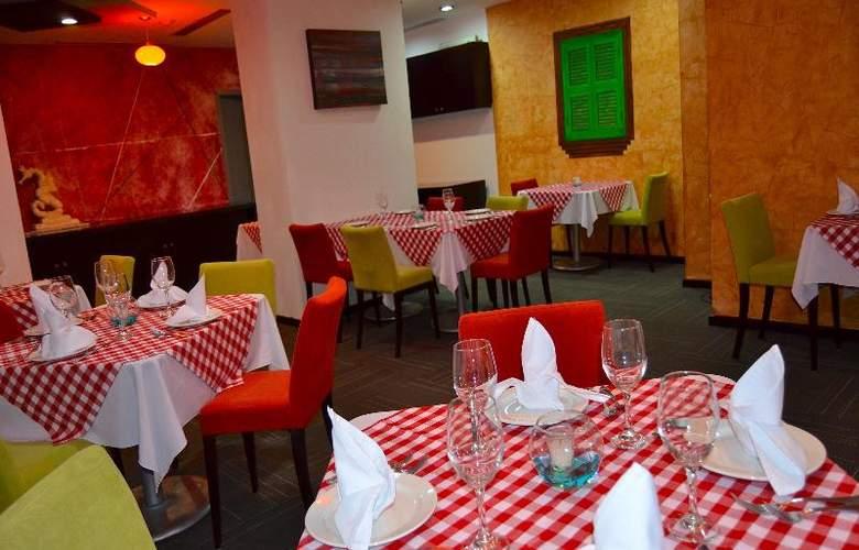 La Quinta Inn & Suites Puebla Palmas - Restaurant - 23