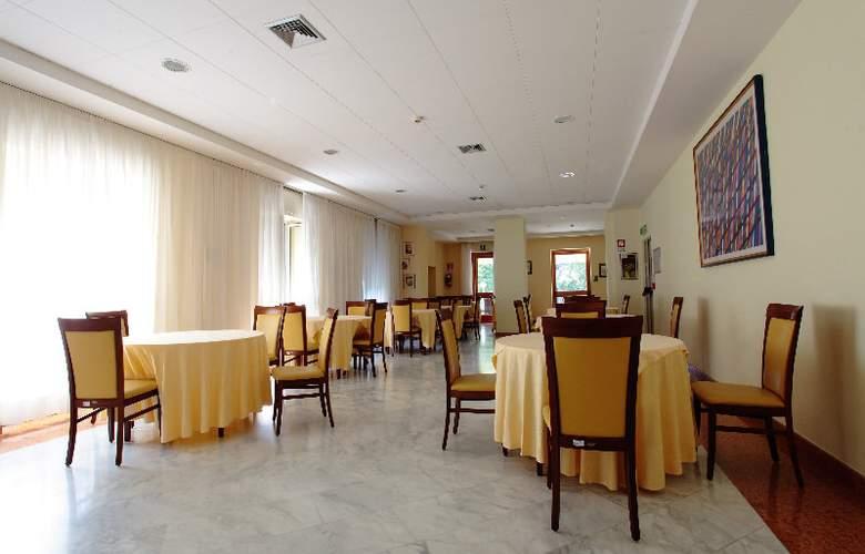 Villa Dei Giuochi Delfici - Restaurant - 2
