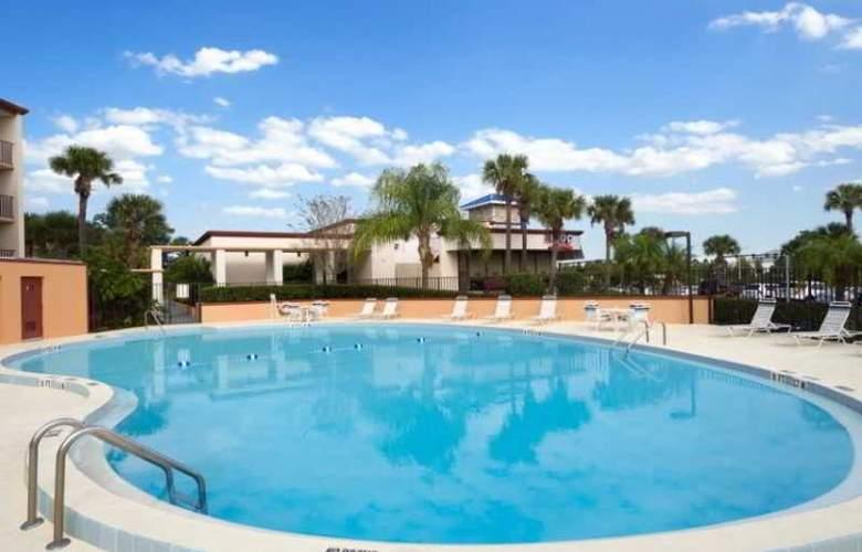 Days Inn Orlando Convention Center - Pool - 5