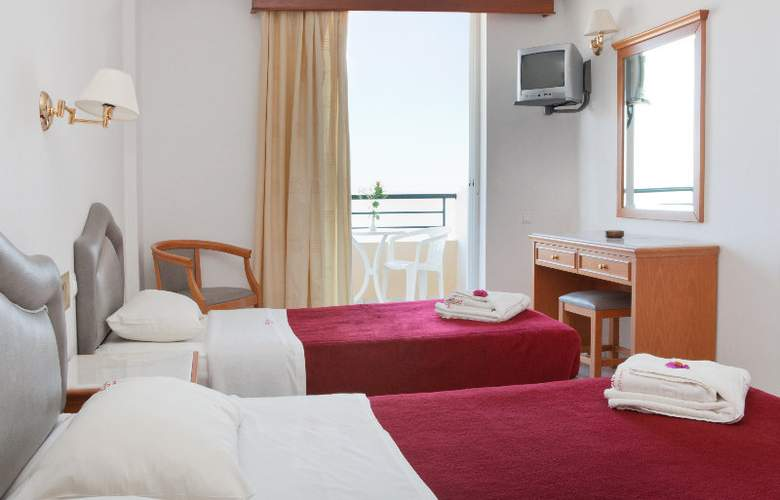 Dedalos Beach Hotel - Room - 2